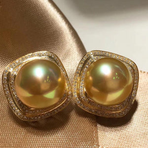 Classic Collection Golden South Sea 11.0-12.0 mm Pearl & Diamond Stud Earrings - takaramonobr