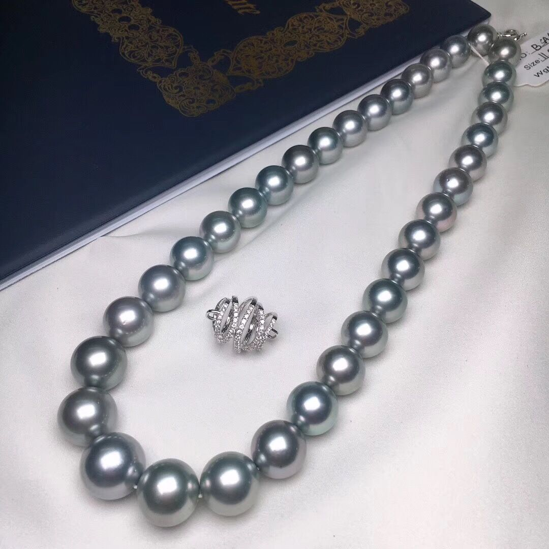 11.0-14.3 mm AAAA+ Tahitian Platinum Grey Pearl Necklace with Solid 18-Karat White Gold Clasp - takaramonobr