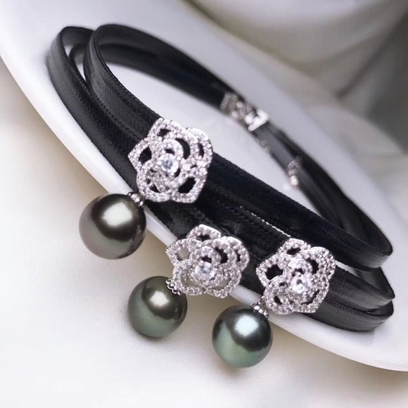 Black PU leather choker necklace with tihatian black pearl