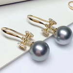 Load image into Gallery viewer, Bowknot Collection 9.0-10 mm Tahitian Grey Pearl & Diamond Dangle Earrings for Woman - takaramonobr