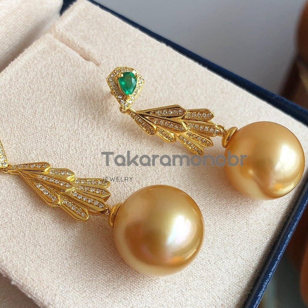 Luxury Collection 13.0-14.0 mm Golden South Sea Pearl & Emerald Diamond Earrings - takaramonobr