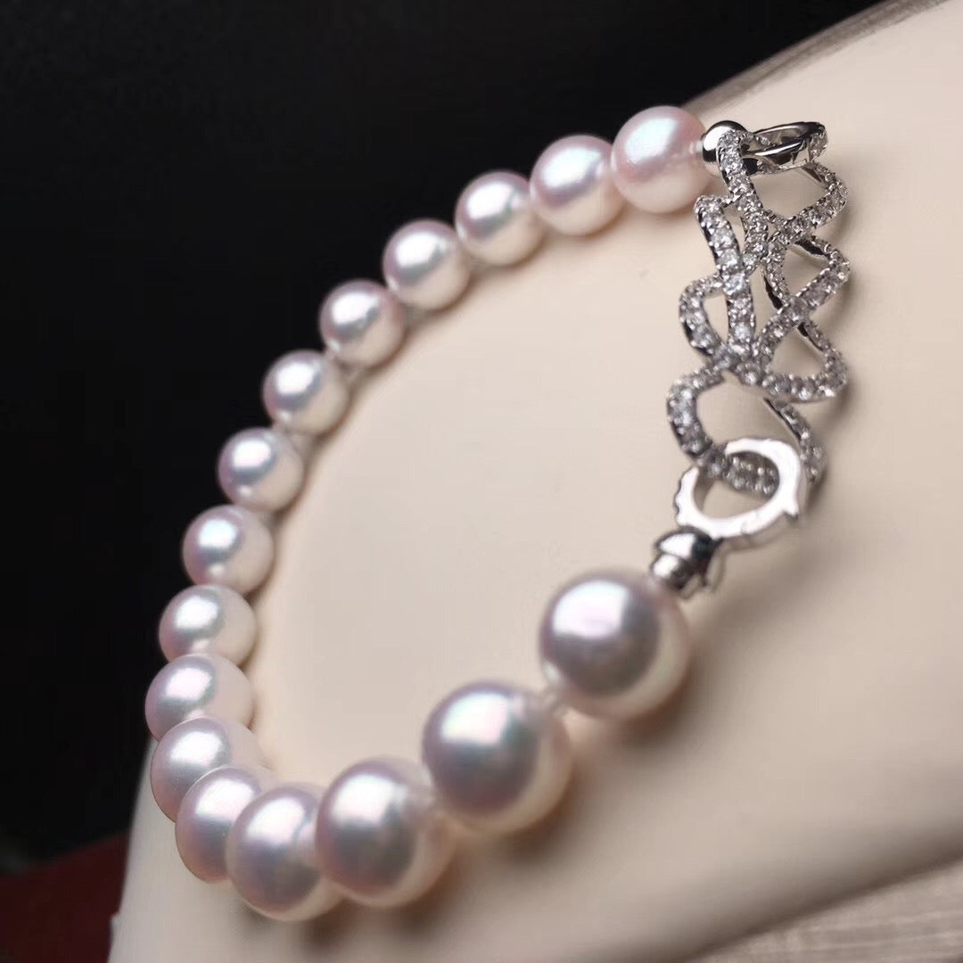 7.8-8.0 mm AAA+ White Akoya Pearl Bracelet & Diamond in 18K Gold Clasp - takaramonobr