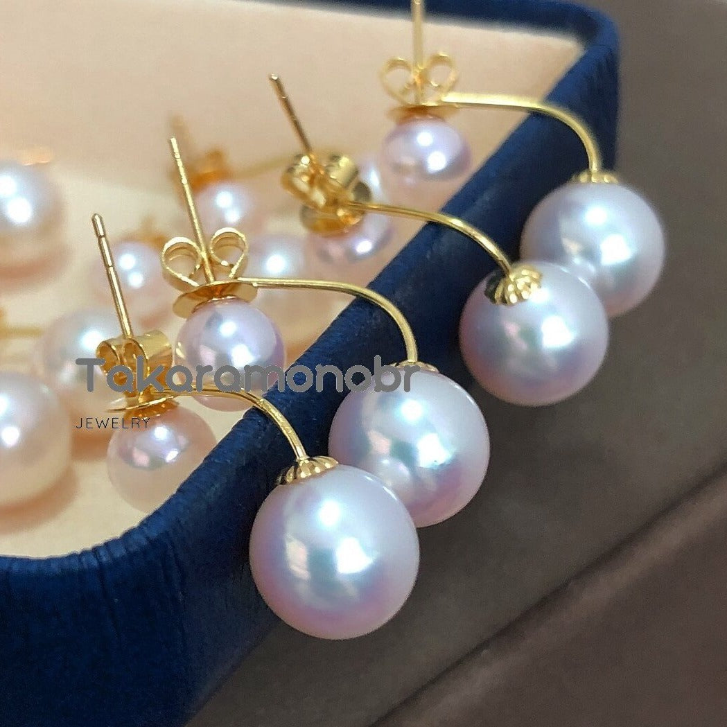 Double Pearls Series 5.5-6.0 mm & 8.5-9.0 mm White Akoya Pearl Stud Earrings in 18K Gold - takaramonobr