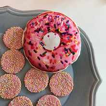 Load image into Gallery viewer, Cushion Donut Sewing Pin Quilting Kit Accessories Holds Pins and Needles (Pink)