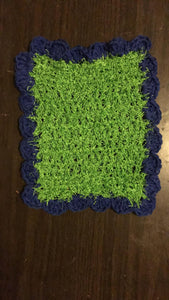 Green Rectangle Scrubby Dishrag w/ Navy Scallop