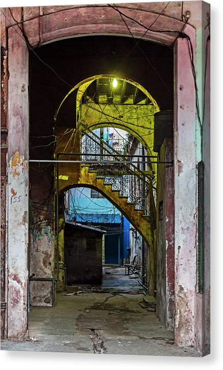 Apartment Entrance Havana Cuba Near Calle C - Canvas Print