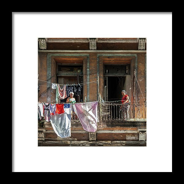 Cuban Women Hanging Laundry In Havana Cuba - Framed Print