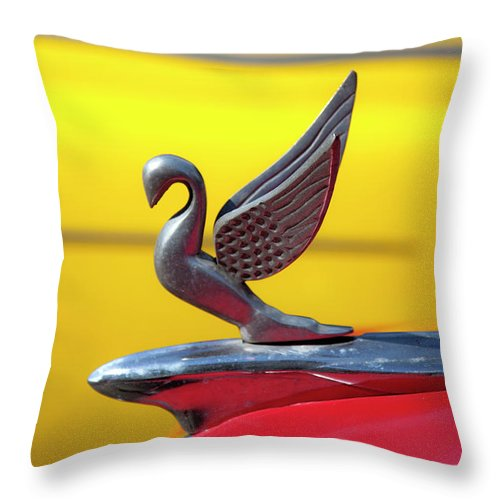 Oldsmobile Packard Hood Ornament Havana Cuba - Throw Pillow