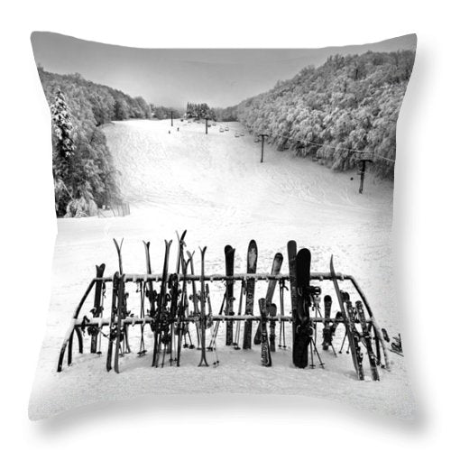Ski Vermont At Middlebury Snow Bowl - Throw Pillow
