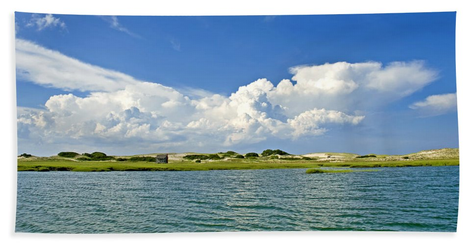The Handys Camp On Sandy Neck - Bath Towel