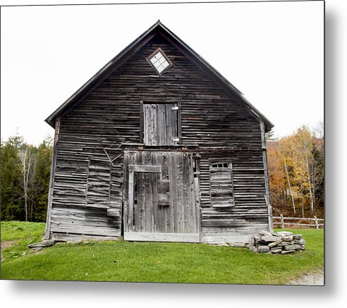 Old Vermont Barn Near Stowe - Metal Print
