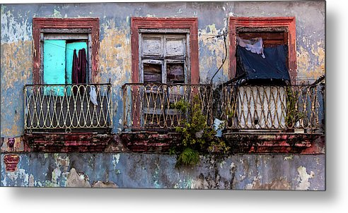 Windows And Ruins At Calle Bernaza Havana Cuba - Metal Print