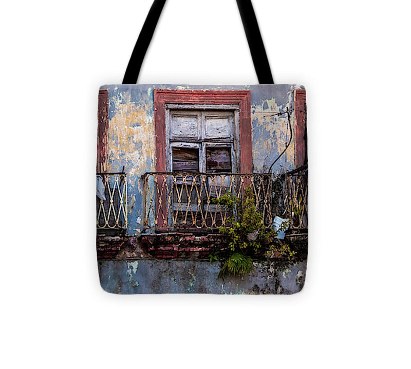 Windows And Ruins At Calle Bernaza Havana Cuba - Tote Bag