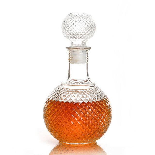 Crystal Glass Whisky Decanter | WhiskyWhiskey.Co