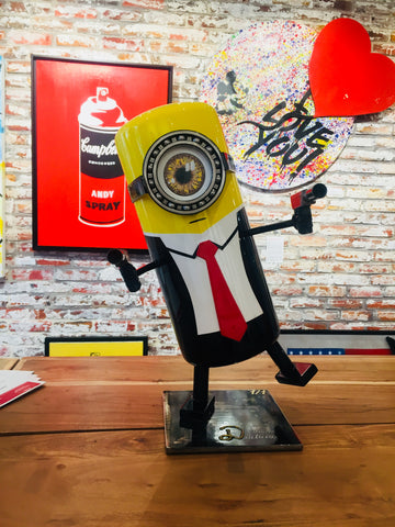 sculpture-minion-hitman-vincent-duchene