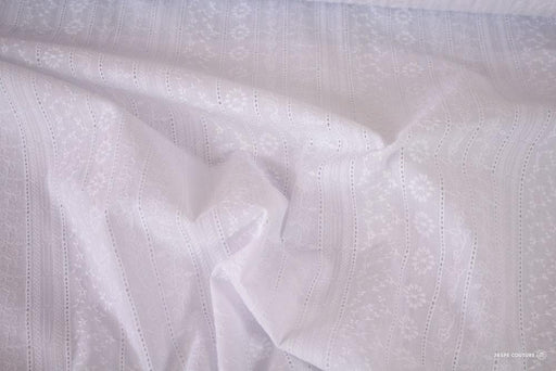 Tissu 100% coton broderie anglaise