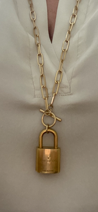Ceceila Toggle Lock Necklace