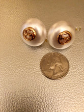 Load image into Gallery viewer, Repurposed Lucinda Pearl Earrings