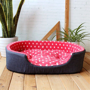 Comfortable Fleece Bed With Removable Cushion