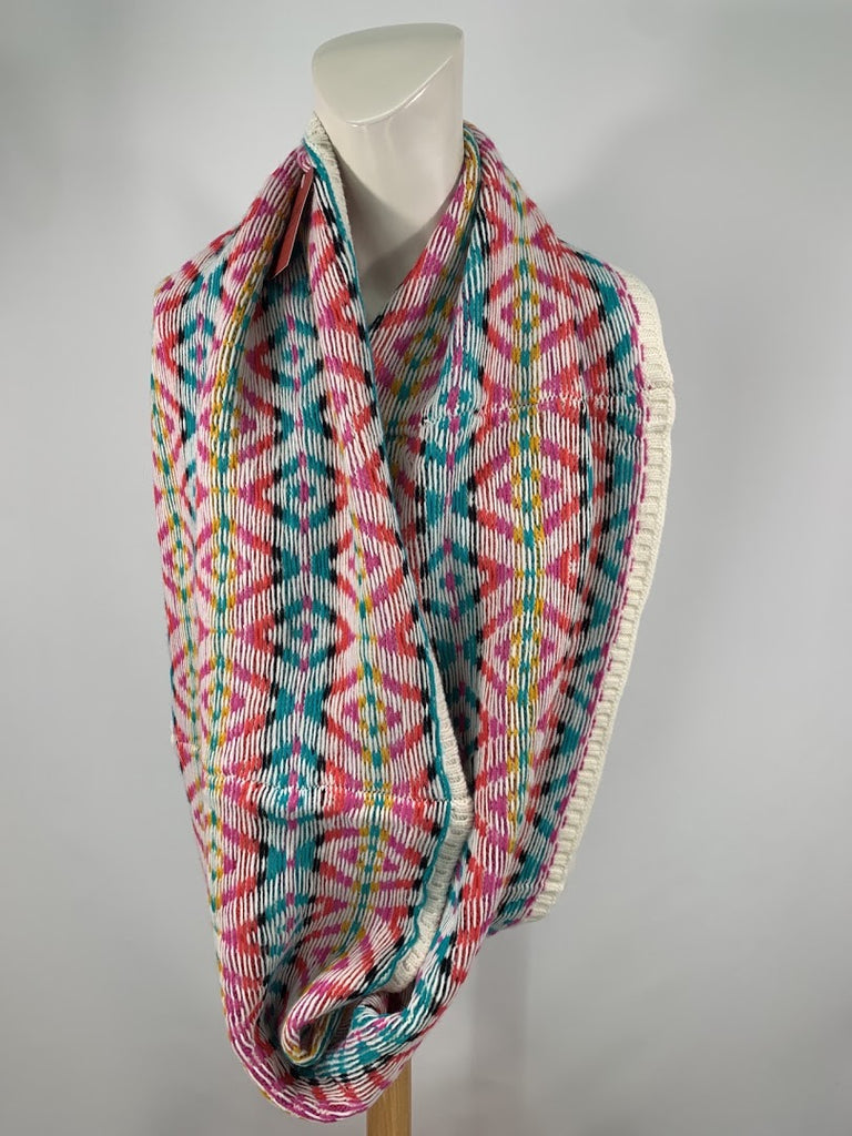 NWT Mossimo Women's Geometric Cable Knit Cowl/Infinity Scarf Size One Size
