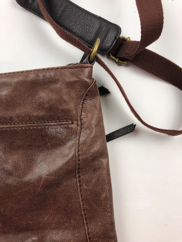 The Sak Women's Brown Distressed Leather Zipper Crossbody Size 11X10