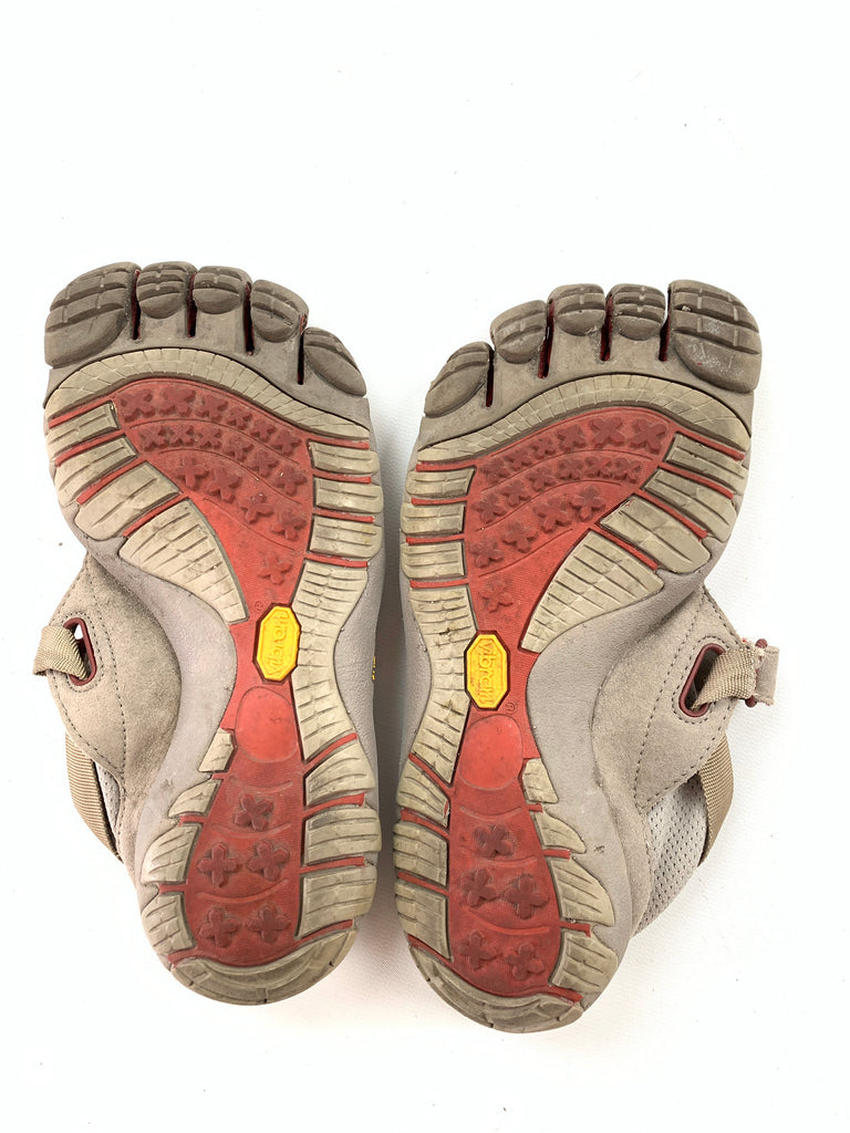 Vibram Women's Running five fingers w4423 Slip-On Athletic Shoes Size 37