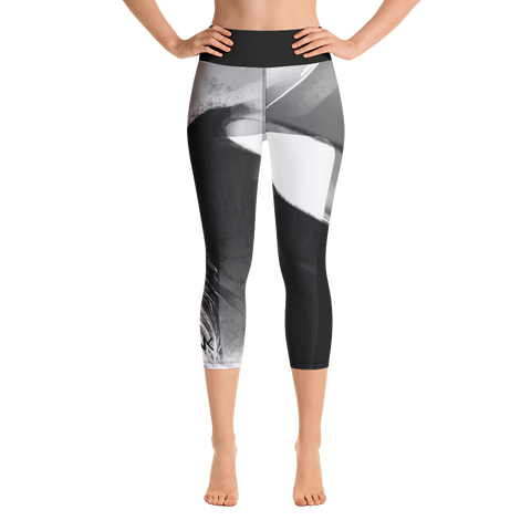 "THINK Yoga ""Capri"" Leggings B&W 2"