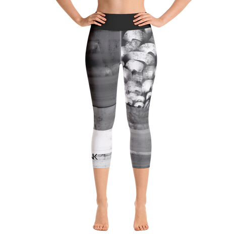 THINK Yoga Capri Leggings B&W 3