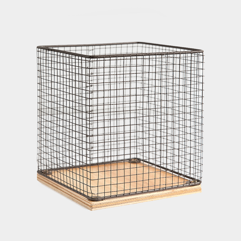 Farmhouse Chicken Wire & Wood Basket<BR>(Filler Not Included)