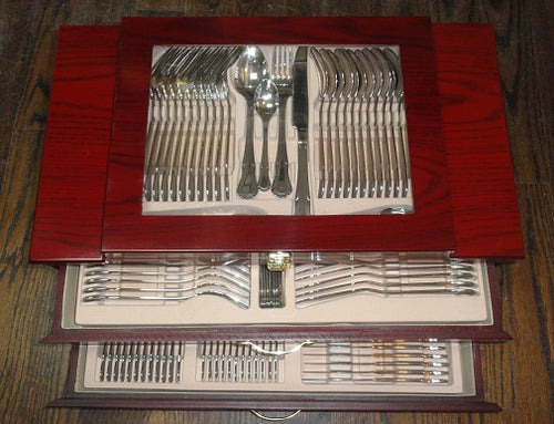 125 Pc. Cutlery Set in Wooden Case
