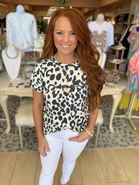 Kalley Leopard Pocket Tee