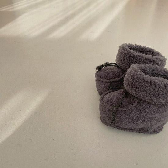 Bella Baby Booties (Charcoal)