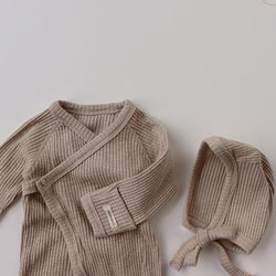 Ezria Rib Romper and Bonnet Set (Oat)