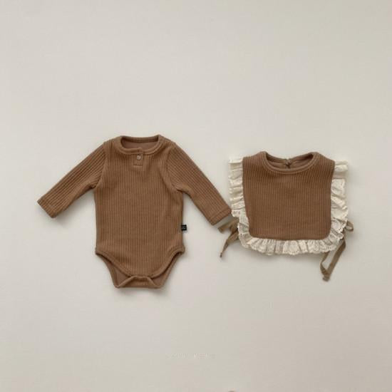 Nala Baby Romper and Bib (Camel)
