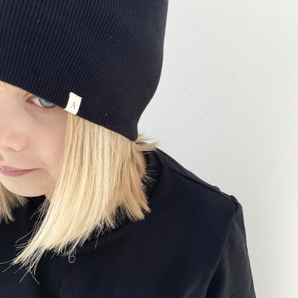 Cotton Ribbed Beanie Hat (Black)