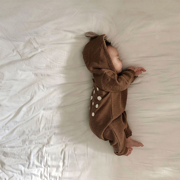 This super-cute little Bambi style romper, is made from lovely soft cotton material and comes with a feature hood, spotted back and zip fastening from the top to the leg for speedy dressing. There's also the sweetest little deer ears. Ultimate comfort  little baby boys and baby girls, as well as play wear for toddlers.