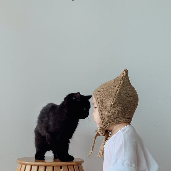 Meow Knit Bonnet Hat (Beige)