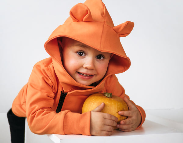 Gugguu Kitty Hoodie. Kids hoodie with cat ears. Sustainable halloween fashion.