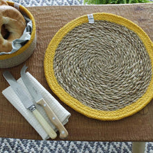Load image into Gallery viewer, Round Seagrass & Jute Tablemats