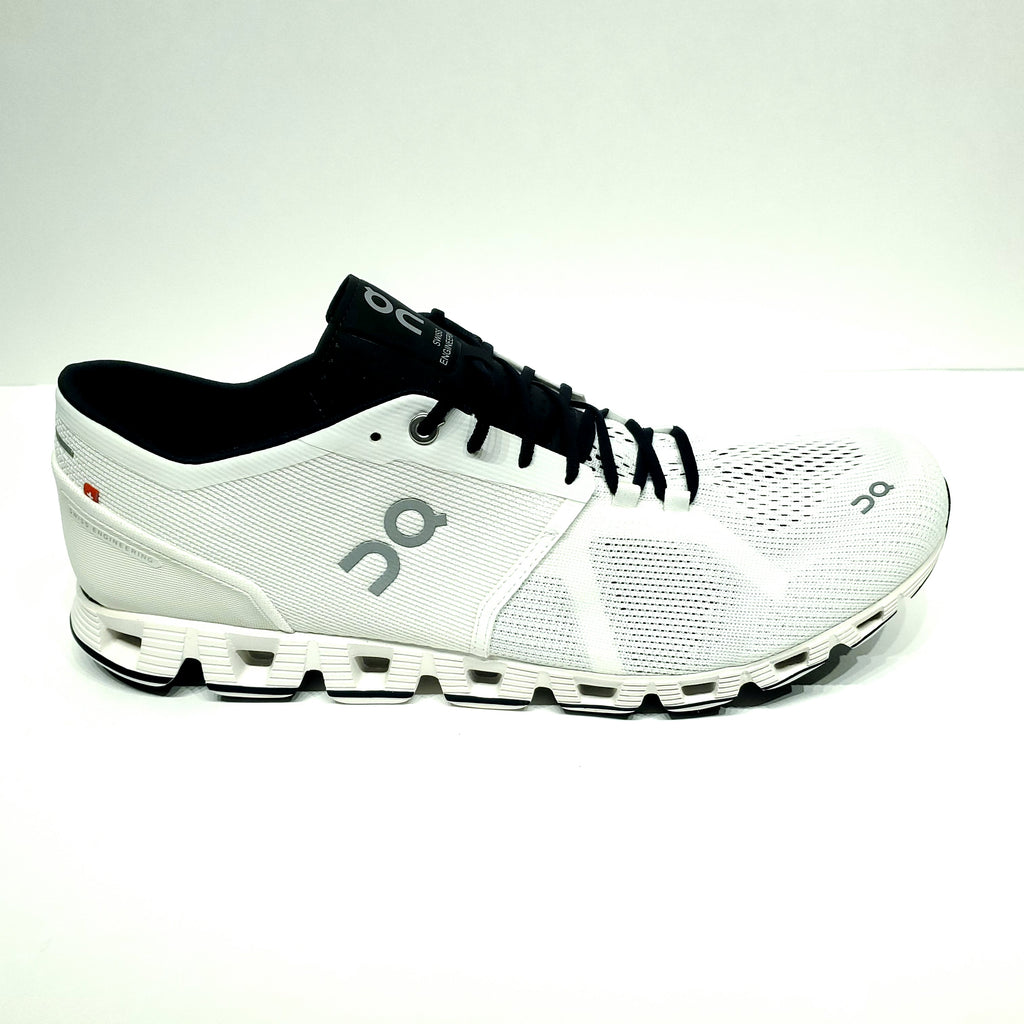 On Running Shoes - Cloud X - White/Black
