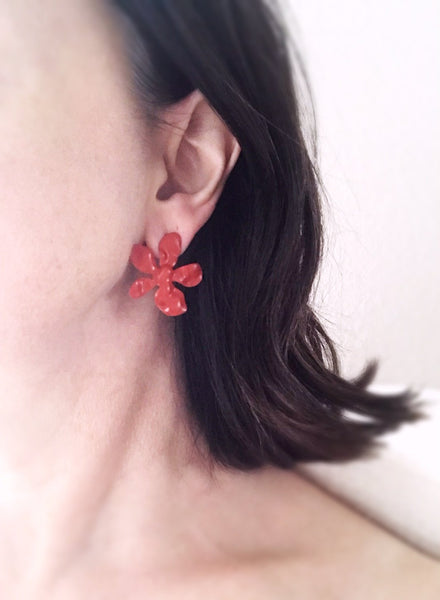 daisy earrings - squash