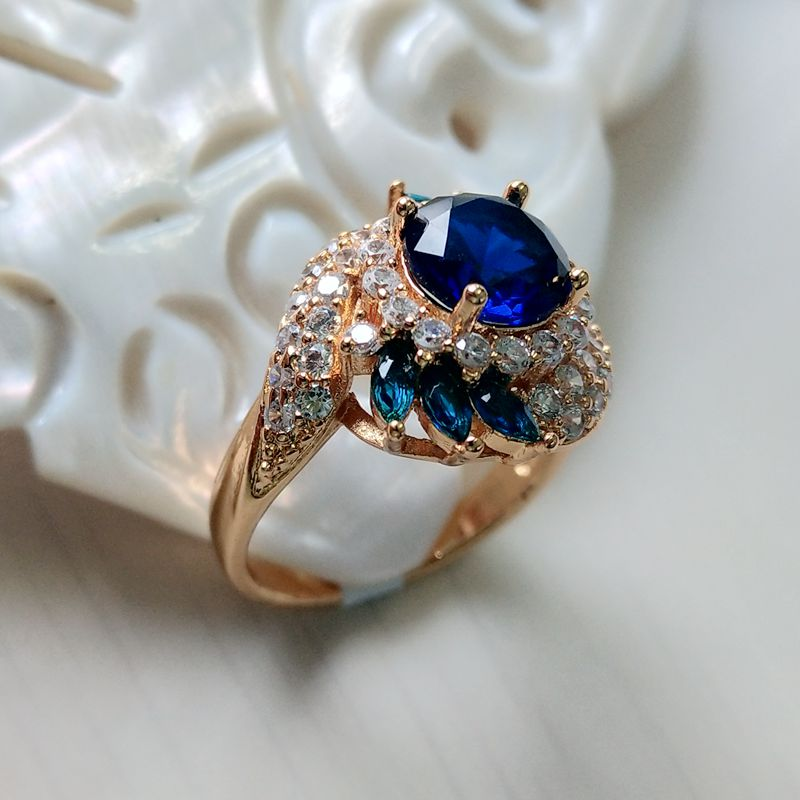 Yunkingdom Unique Style Blue Gems Zirconia Crystal Gold Plated Color Ring