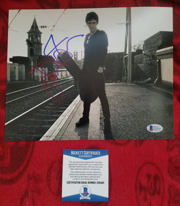 Johnny Marr Beckett Authenticated Hand Signed 8x10 Photo