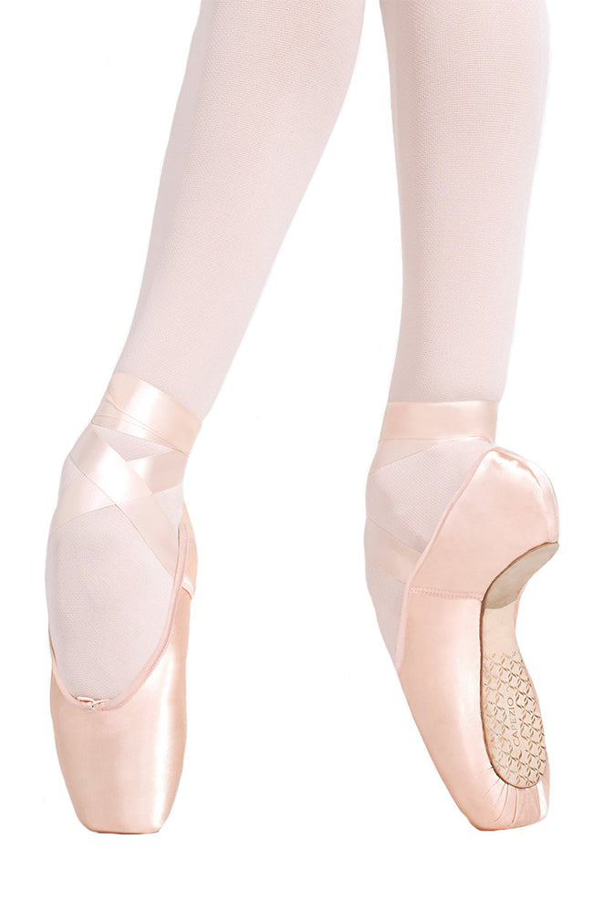 Capezio 1137W Developpe #5.5 Shank Pointe Shoes
