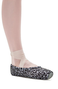 So Danca AC09 Black and White Patterned Pointe Shoe Covers