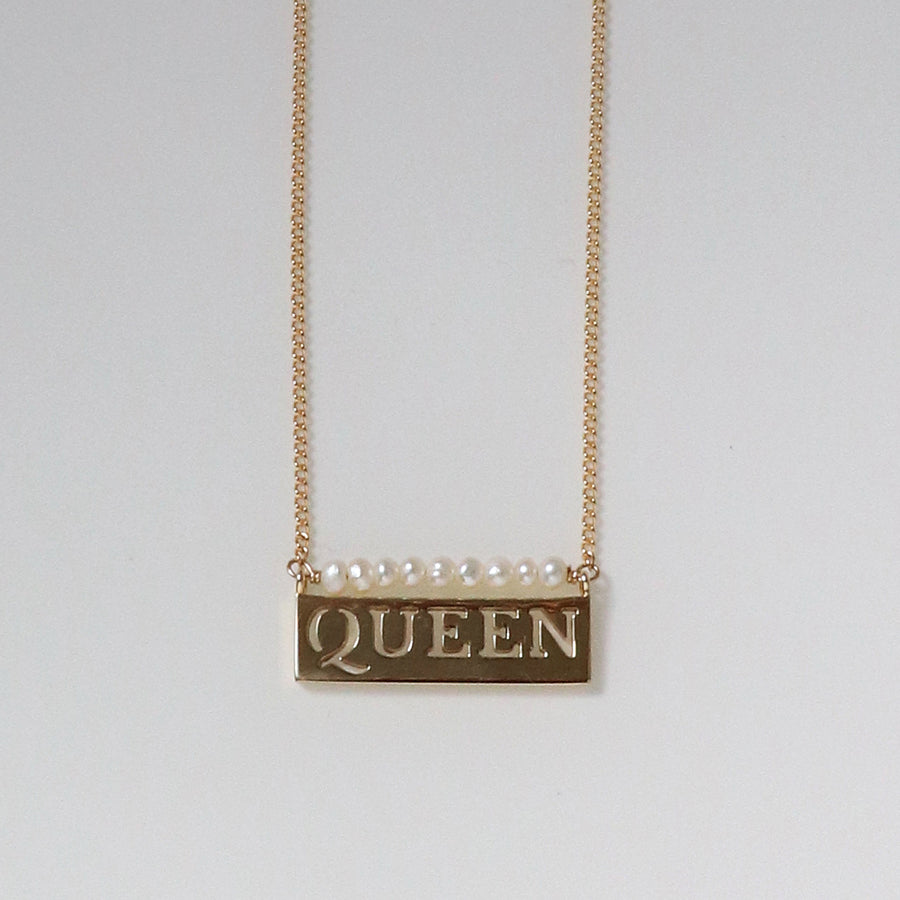 Izaskun Zabala jewelry Queen nameplate delicate necklace with freshwater pearls