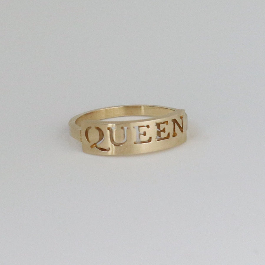 Izaskun Zabala Jewelry Queen nameplate ring