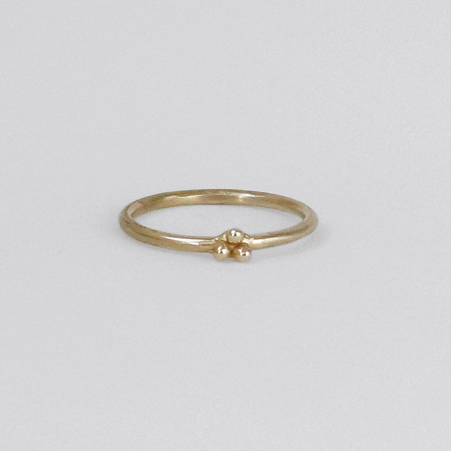 Izaskun Zabala Jewelry delicate and stackable ring