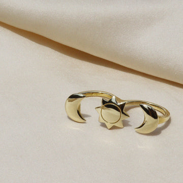 Izaskun Zabala jewelry sun and moon adjustable double finger ring.