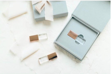 Load image into Gallery viewer, Grey linen Crystal USB box
